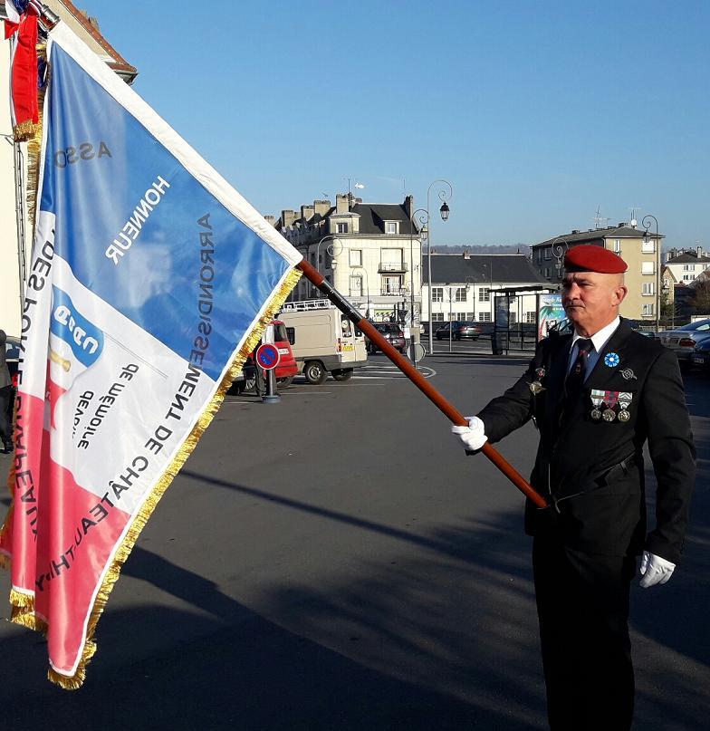 Le bureau porte drapeau - Port de la tenue militaire en retraite ...