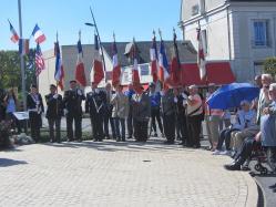 2ème rangée de porte-drapeaux